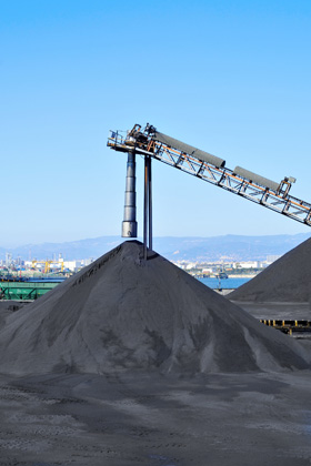 Transport of loose materials with tipping semi-trailers, coal, gravel, sand, slag, the Czech Republic