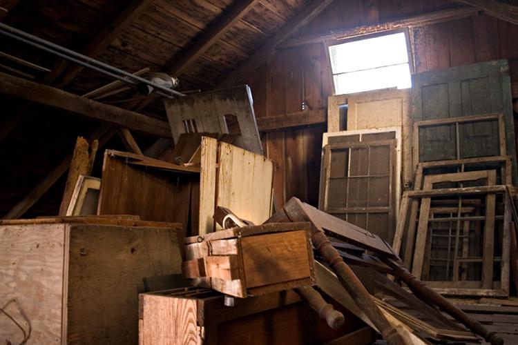 Vyklízení a uklízení bytových a nebytových prostor, stěhování Znojmo