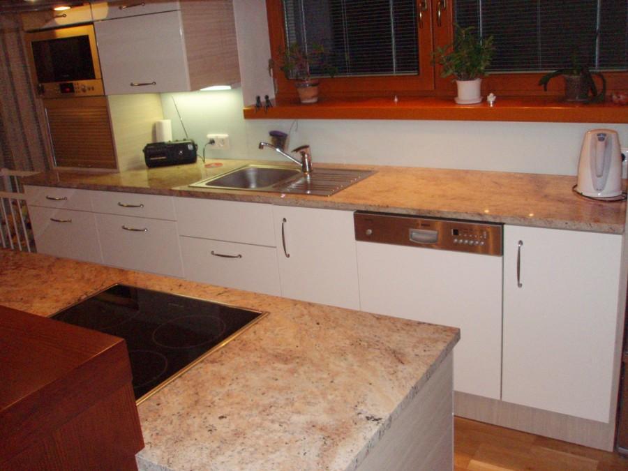 Kamenictví Uherský Brod-kuchyňské pracovní, krbové desky, krby