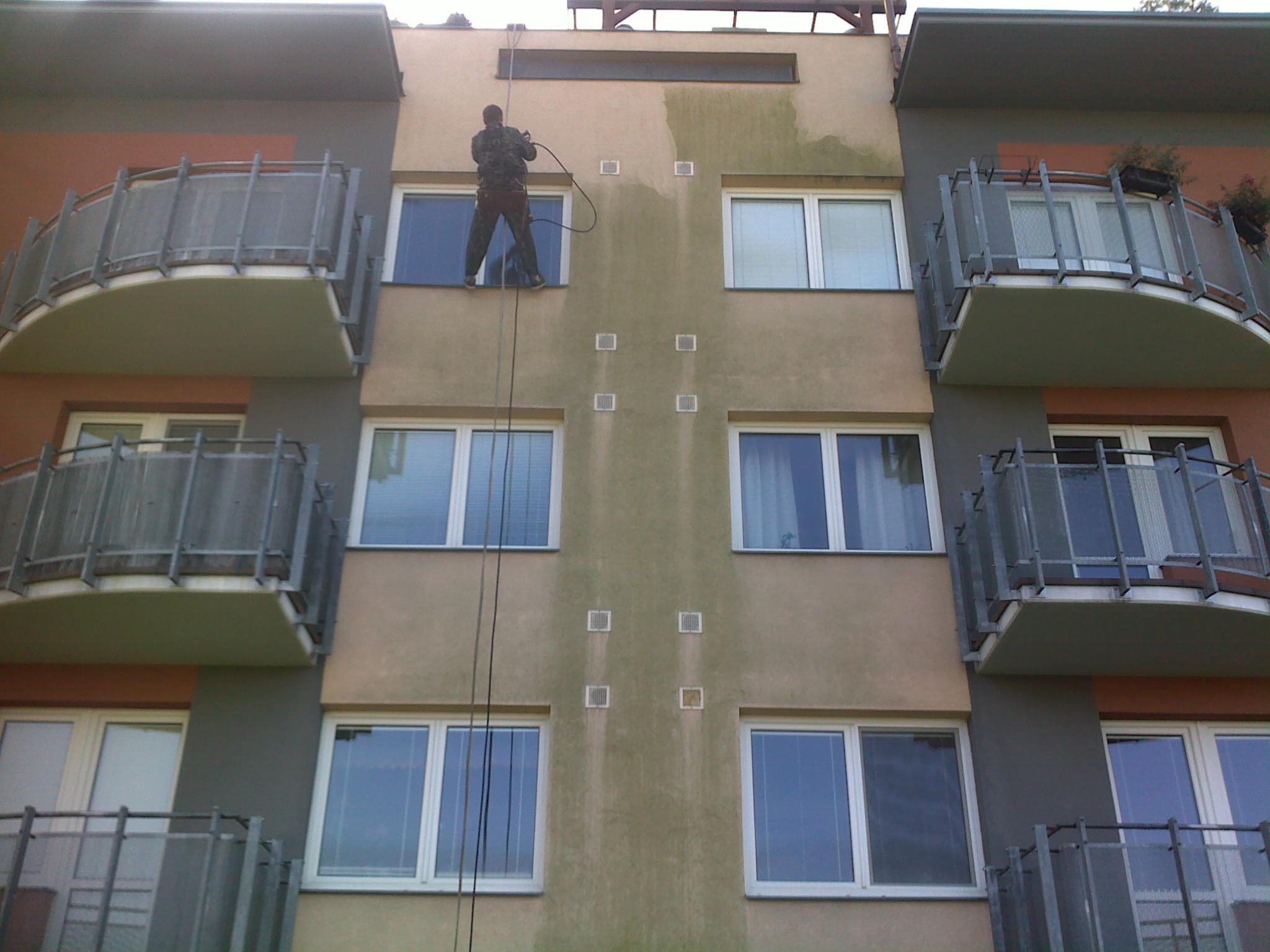 Práca vo výškach, výškové práce, umývanie okien, fasády Zlínsky kraj