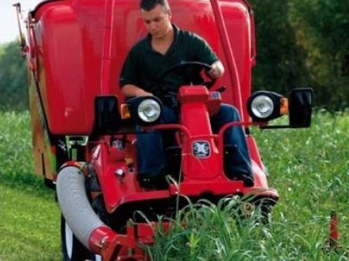 Traktory využijete i na zahradě