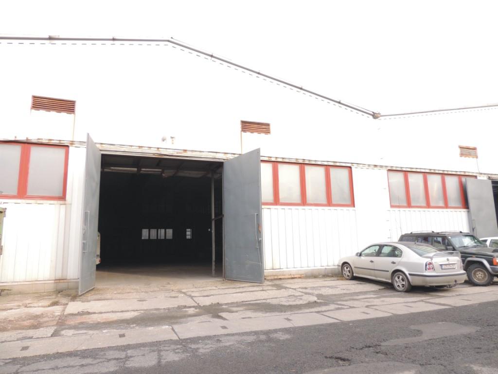 Pronájem skladovacích prostor s kanceláří, skladovací haly Rožnov