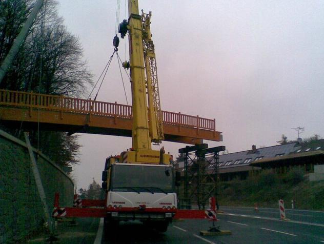 Práca autožeriavom Zlínsky kraj - prenájom mobilné žeriavy Liebherr