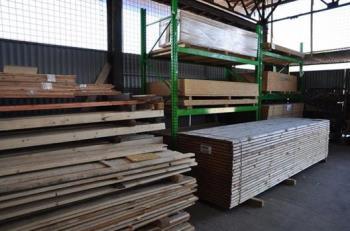 Prodej, dodávka dřevařský materiál Ostrava