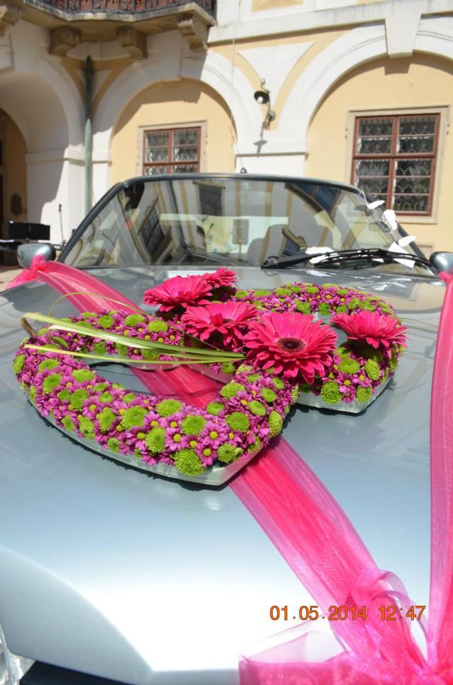 Svatební vazba květin, kytice, zdobení auta na svatbu Kroměříž