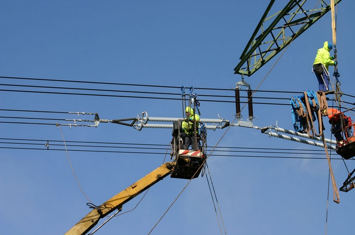 We are experts in power lines - Prague, the Czech Republic