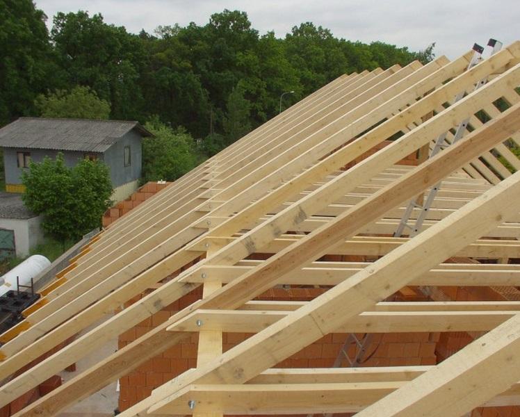 Takto vypadá zhotovený krov rodinného domu