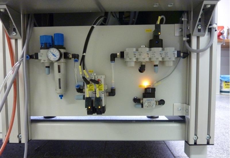 Maloobchod i velkoobchod s elektroinstalačním materiálem.