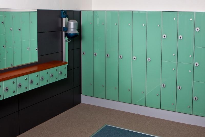Glasschränke, Kleiderschränke, WC Kabinen, Türen, Kremsier, Zlin, Tschechien