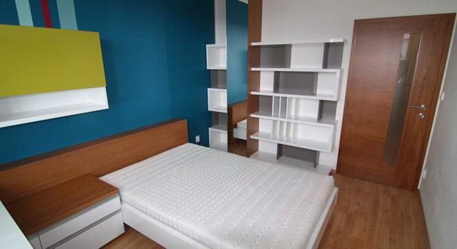 Kvalitní bytový nábytek – prodej dveře Sapeli, podlahové krytiny