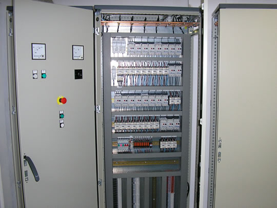 Elektromontáže - domovní, bytové a průmyslové elektroinstalace