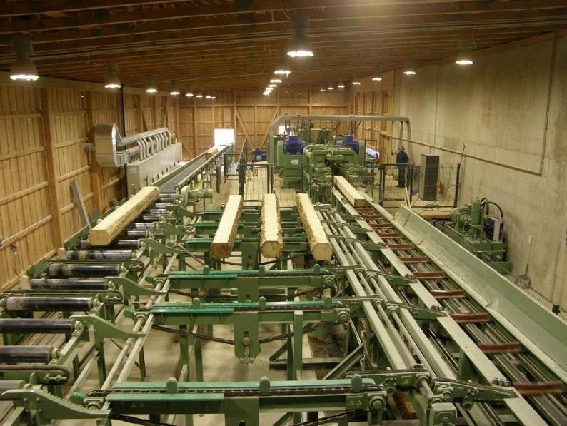 Truhlářské řezivo vyrábíme z kvalitní oddenkové jehličnaté kulatiny.