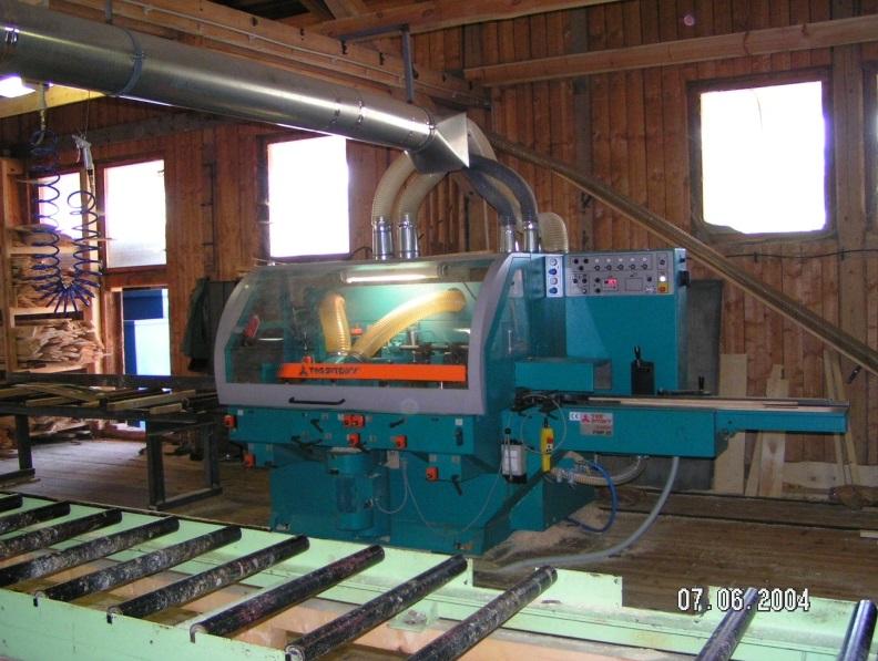 Lepené lamelové dřevo BSH i palubky vyrábíme pomocí moderních technologií.