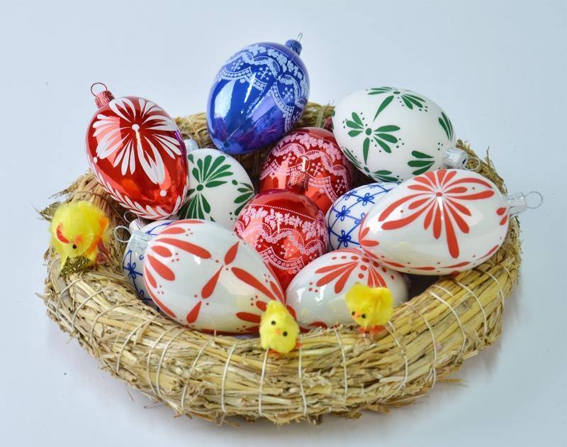 Skleněné, ručně foukané velikonoční ozdoby, vajíčka barevná a čirá