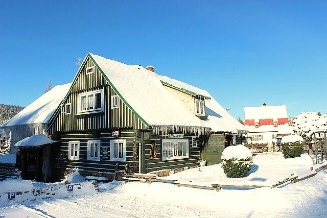 Zimní pohled na penzion Harrachov