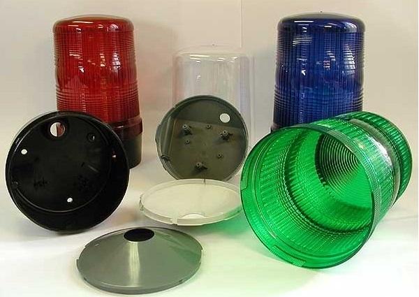 Vstřikování plastů pro automobilový i elektrotechnický průmysl.