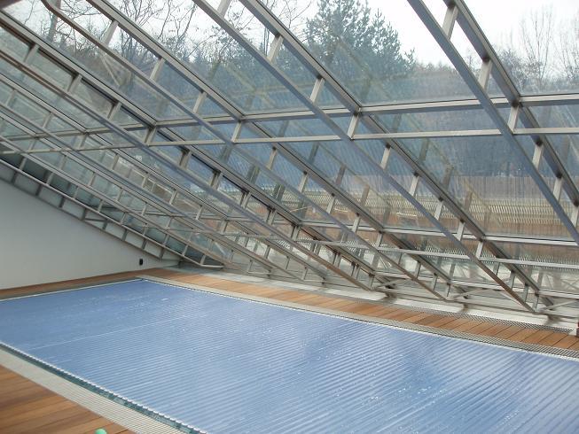 hydraulicky otevíraná prosklená střecha