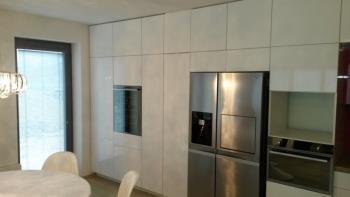 moderní řešení kuchyňské linky