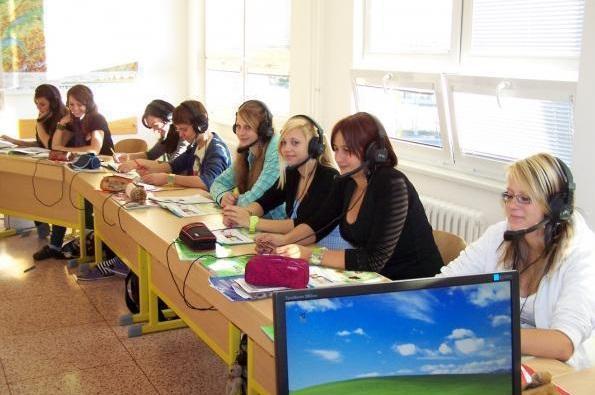 SOŠ Třeboň - vybavení učeben cizích jazyků