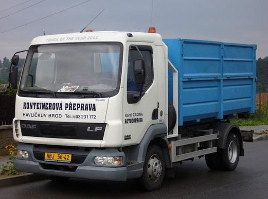 Přistavení kontejneru oceníte při stavbě i odvozu odpadu.