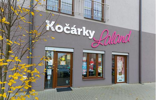 Online prodej dětské oblečení, autosedačky, kočárky Uherské Hradiště