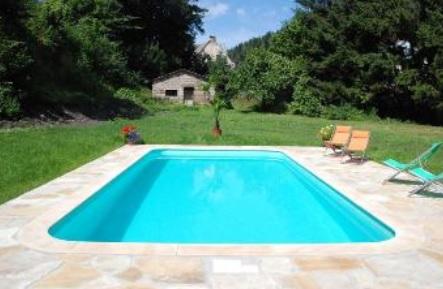 Bazény zchladí horké dny - Trutnov