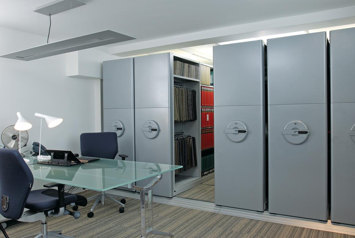 InnerSpace – mobilní vestavěný regálový systém Bisley