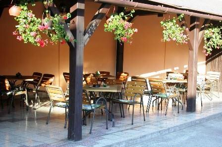 Restaurace Na Jízdárně - venkovní zahrádka