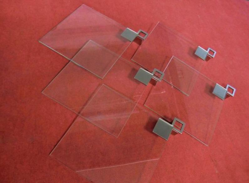 skleněný nábytek a doplňky Praha