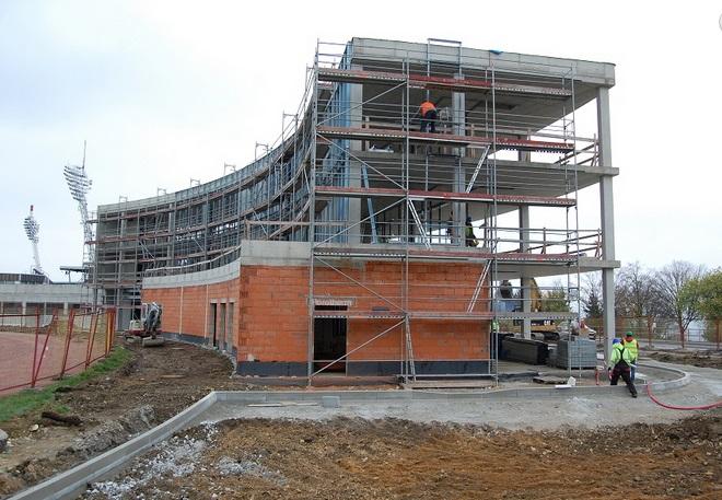 Nabízíme kompletní stavební práce.