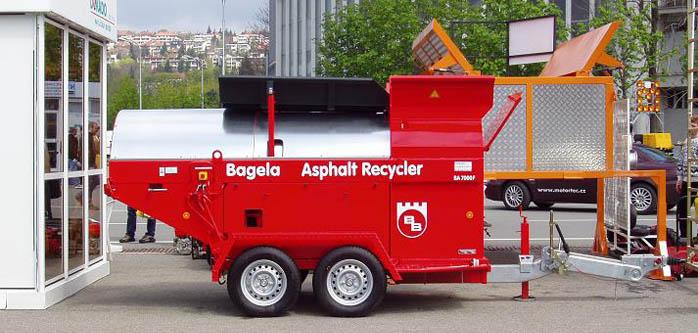 Pronájem stavebních strojů i s obsluhou Praha - BITELLI BB621, BAGELA BA-10000, 7000F, LOKUST a UNC