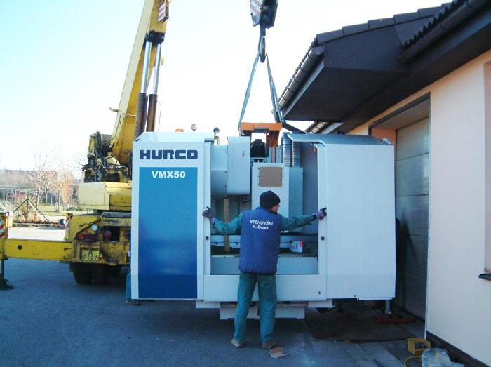 Stěhování strojů a nadměrných předmětů zajistíme za vás.