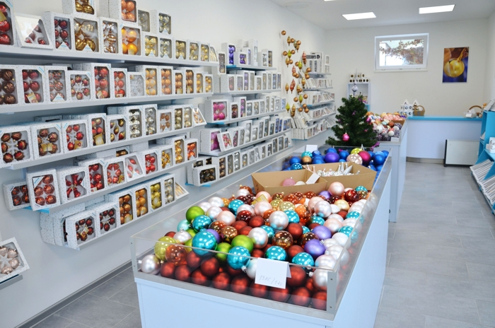 Podniková prodejna vánočních figurek Vsetín