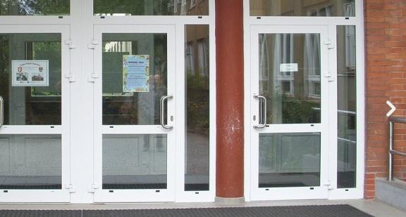 Servis automatických dveří vám nabízíme 24 hodin denně