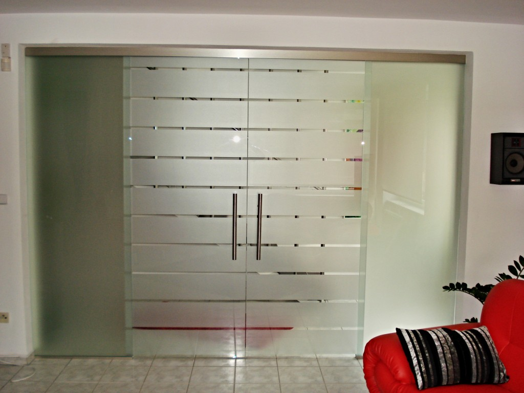 Jednokřídlové celoprosklené dveře