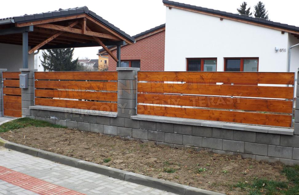 Dřevěné ploty z kvalitního dřeva