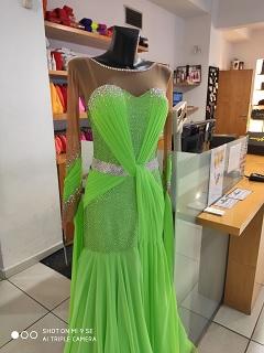 54da3cc6696 Taneční a společenské šaty prodej Praha - oblečení pro tanečníky