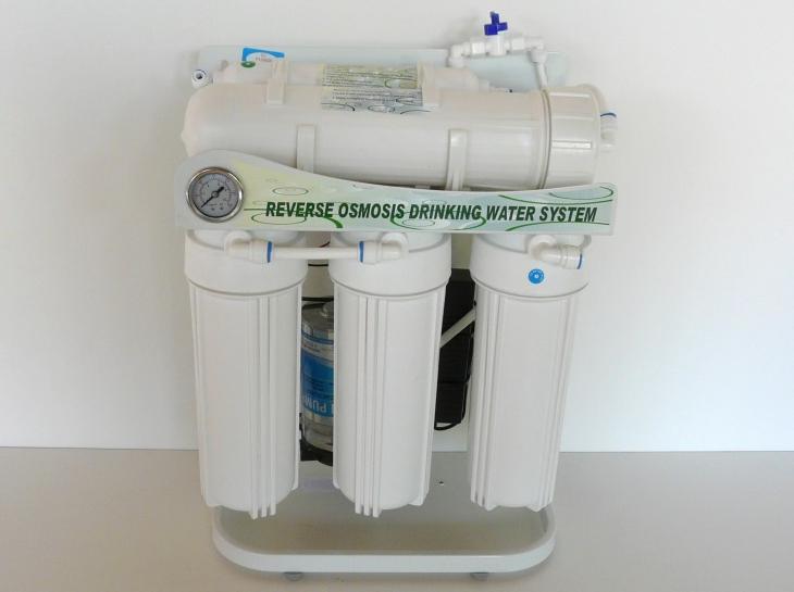 Úprava vody nahrazující destilační přístroje