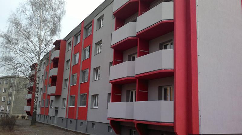 Hliníkové a nerezové doplňky pro bytové domy, sušáky do lodžií, balkonová zábradlí