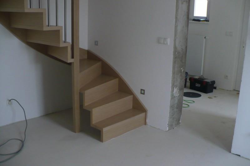 Podlahářské práce - vyrovnání podkladu pro pokládku podlah
