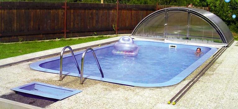 Bazény jsou na léto ideální