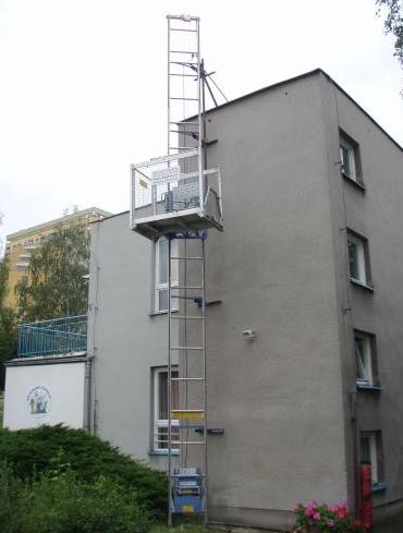 Stavební výtahy usnadní práci na vaší stavbě