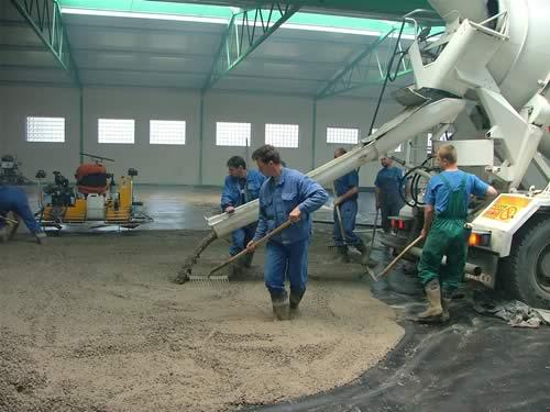 Železobetonové průmyslové podlahy s ocelovými sítěmi