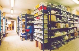 Nabízíme přes 50 000 druhů plastových součástí