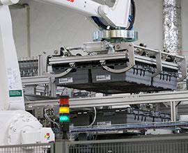 Robotické řešení pro jednoduchou a rychlou manipulaci ve farmacii a kosmetickém průmyslu