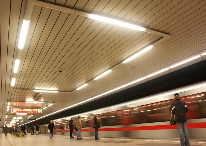 Přisazená, závěsná, stropní zářivková svítidla-výroba, návrhy