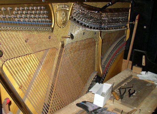 Oprava piana Praha