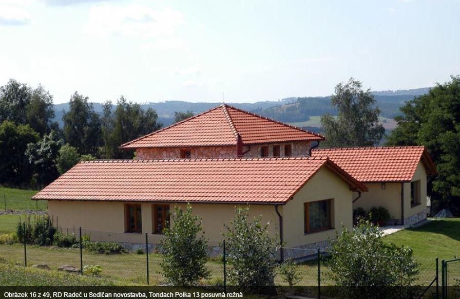 Dodávka a montáž střešních oken Dakea a Velux Sedlčany