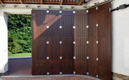 Sekční garážová vrata od osvědčených výrobců | Hradec Králové