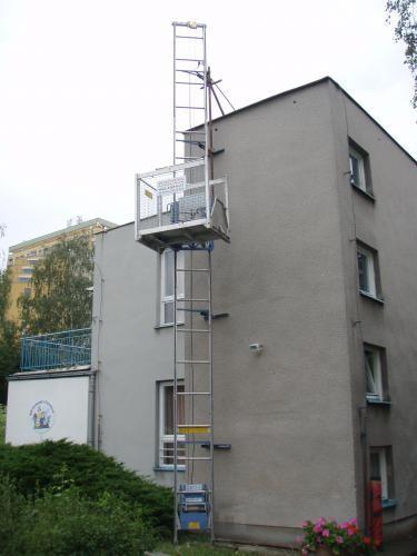 Stavební výtahy sloupové, stožárové do 1000Kg   Hradec Králové
